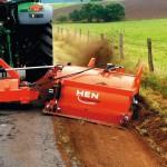 Bankettregulierung – das A u. O bei der Wege- und Straßenunterhaltung