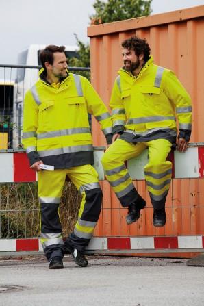 Gut geschützt beim Arbeiten im Freien: Warn- und Wetterschutzkleidung vom Profi