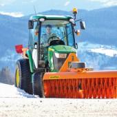 Auf der diesjährigen demopark in Eisenach präsentiert die matev GmbH aus Langenzenn ihre breite Palette an Traktorgrundausstattungen und Anbaugeräten für die Grünflächenpflege sowie zur Schnee- und Schmutzbeseitigung.