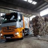 Mercedes-Benz Antos unterstützt Entsorgungsprofis