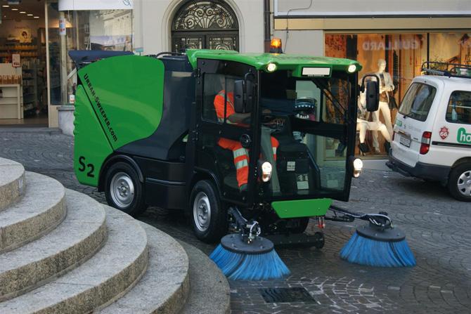 Urban-Sweeper S2 - Ideal für engste Räume in urbanen Zonen