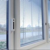 Verbundfenster regulieren Luftgüte und Beschattung