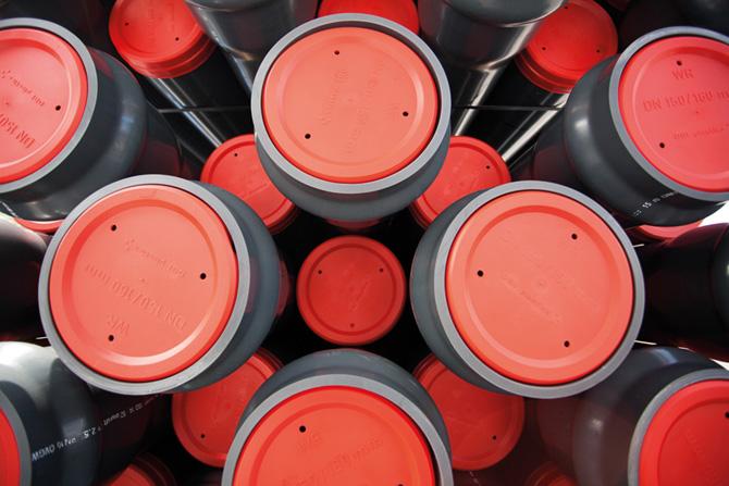 Die Entwicklung des Druckrohrs mit Steckmuffe im Jahre 1964 ist eine der größten Innovationen von Omniplast für den Kanalbau in der ganzen Welt.