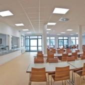 Ein ModuLine® Gebäude ist jederzeit erweiterbar – auch um eine Schulmensa und dank der Stahlskelettkonstruktion sind Räume in der Innenraumaufteilung flexibel veränderbar.