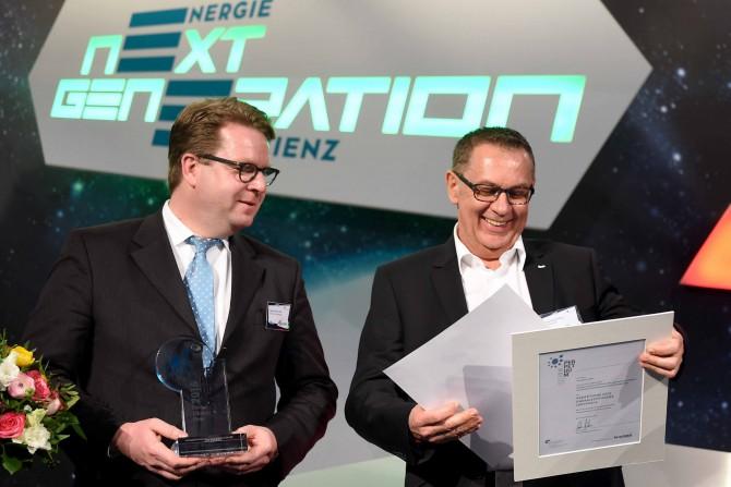 Pressebild Perpetuum Energieeffizienzpreis 2016 Quelle Britta Pedersen DENEFF - Alpha3 von Grundfos erhält Energieeffizienzpreis Perpetuum 2016