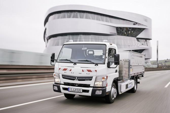 16C311 01 - Stadt Stuttgart und Logistikunternehmen Hermes testen batteriebetriebenen Leicht-Lkw im harten Betriebsalltag