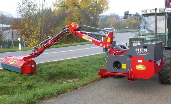 BRUNI-Auslegemäher Dual 400 mit Frontanbau am Fendt