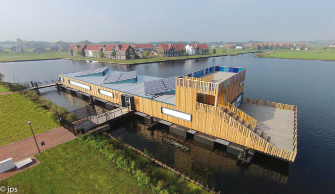 kd163 ela1 - Schwimmendes Infozentrum aus ELA Containern
