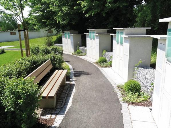 kd163 paul wolff - Schmuckstück der Landschaftsarchitektur:  Anlage für Urnenstelen in Adelsried