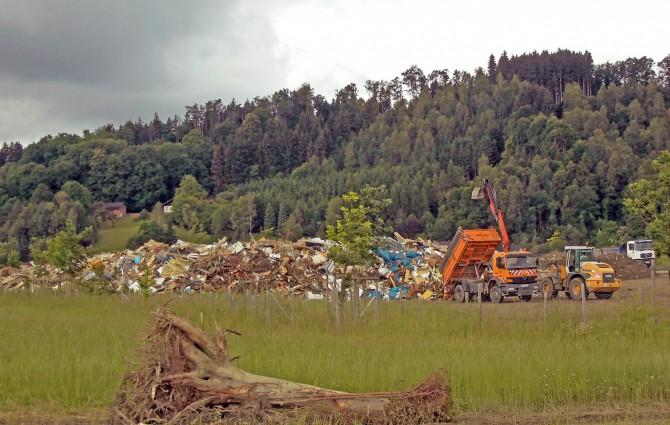 4 AVANT SimbachMu¦êllberg - Hilfe bei der Flutkatastrophe – AVANT TECNO stellt Multifunktionslader kostenfrei zur Verfügung
