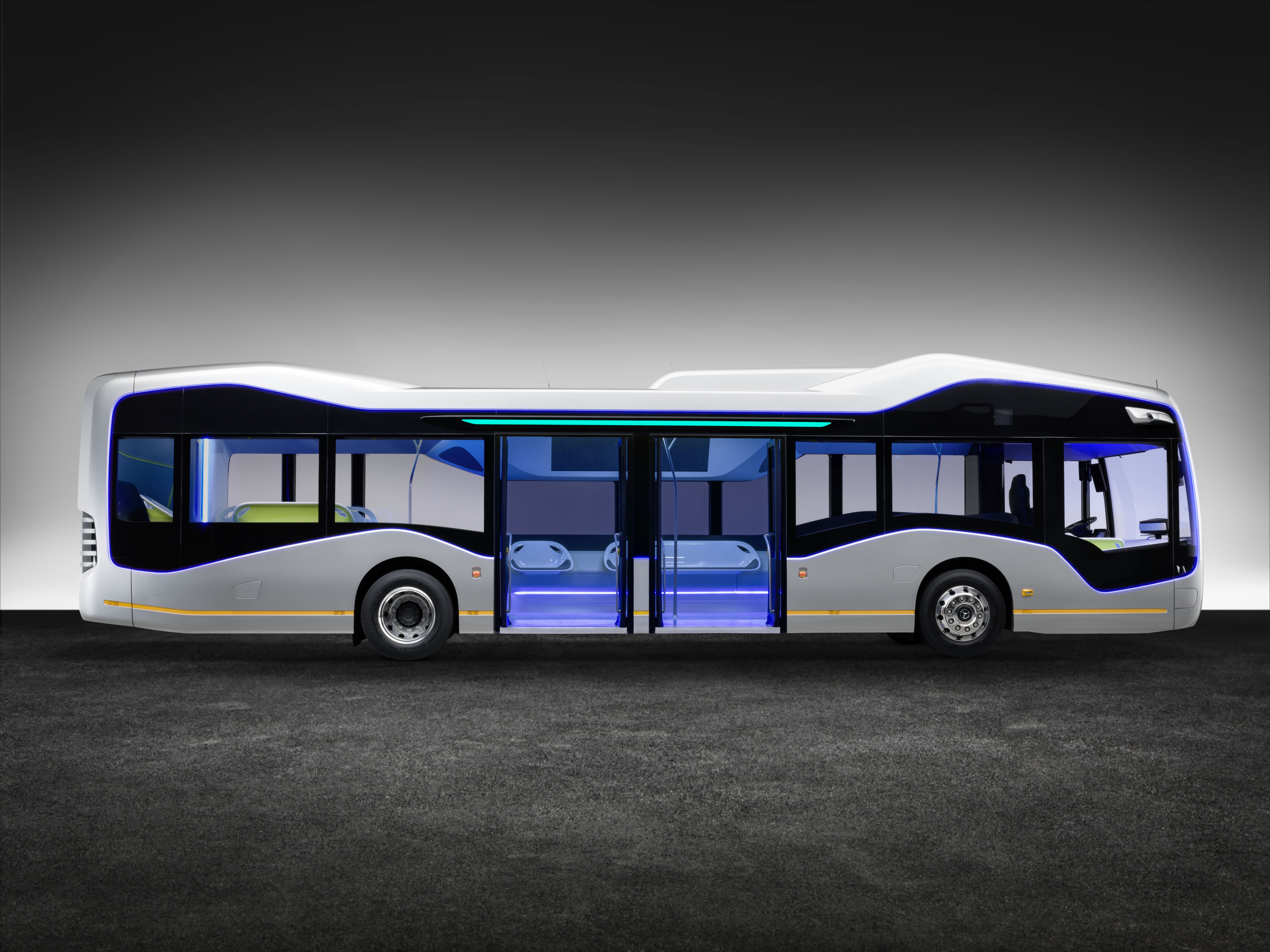 16C632 05 - IAA Preview 2016 Daimler Buses; Mercedes-Benz Future Bus mit Cit