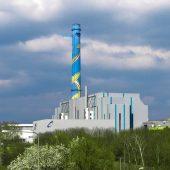 Das Müllheizkraftwerk – Gesellschafter sind zu gleichen Teilen die FES und die Mainova AG – produziert Strom und versorgt das gesamte Betriebsgelände plus 45.000 Haushalte der angrenzenden Stadtteile mit Fernwärme. (Foto: WDV-Molliné)