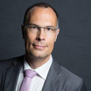 mmerkel 92A3210 edit 4 300x300 - Uwe Scholz ist neuer Geschäftsführer