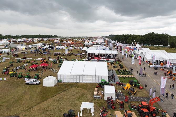 kd172 demopark1 - Traktoren – demopark 2017 präsentiert Multitalente für Kommunen