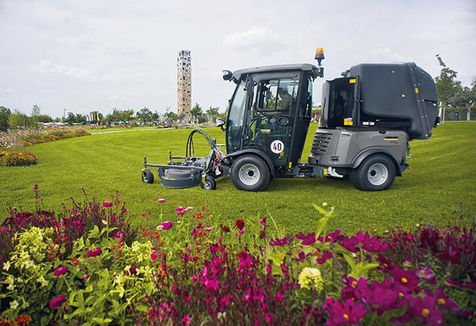 kd172 kaercher2 - Der Weg zum perfekten Rasen – von Blumenwiese bis Fußballfeld