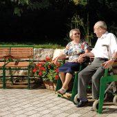 kd174 awag 170x170 - NEU bei AWAG Fahnen und Fahnenmasten: Seniorengerechte Parkbänke