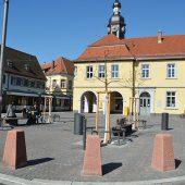 kd174 einstein2 170x170 - Platzgestaltung mit Segmentbogenpflaster aus Beton in Mannheim