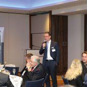 Der SLG-Vorsitzende Florian Klostermann begrüßte rund 70 SLG-Vertreter und Gäste zur Abendveranstaltung (Foto: SLG)