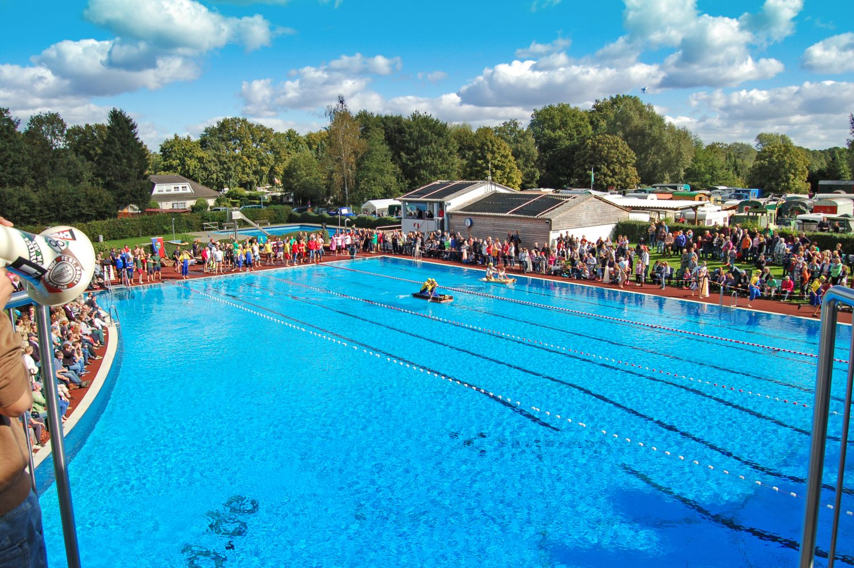 Freibad Hñnigsen Foto Freibad Hñnigsen e1524052222804 - Wettbewerb für öffentliche Schwimmbäder startet