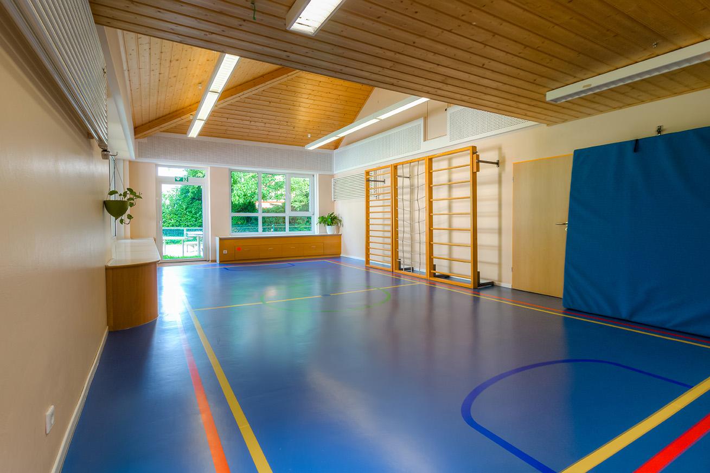 RZ references kindergarten gym Duelmen RZ Turbo Protect Color 2017 08 nachher - In nur 48 Stunden bunte Abwechslung statt aufwendiger Belagswechsel