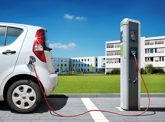 kd182 btc1 - E-Mobility-Regler sorgt für Entspannung bei der Stromversorgung  von Elektroautos