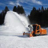kd182 zaugg1 170x170 - Einzigartig: die neue selbstfahrende Schneefrässchleuder  ZAUGG-Rolba R500