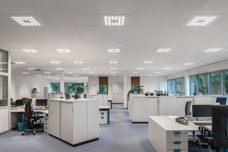 Zumtobel BU DE1506 0041 Ritzenhoff 800x534 - Das richtige Licht macht's: Moderne Beleuchtungskonzepte für motiviertes Arbeiten
