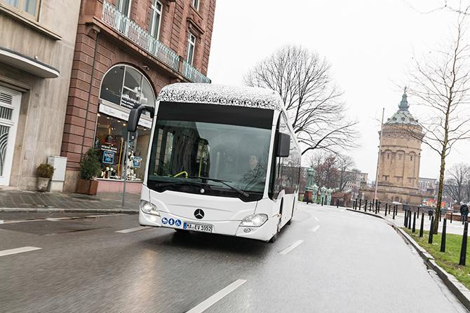 Der neue vollelektrisch angetriebene Mercedes-Benz Citaro ist rundum getestet worden. Die Serienfertigung beginnt noch in diesem Jahr.