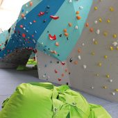 kd184 tüv süd2 170x170 - Kletter- und Boulderwände sicher betreiben: TÜV SÜD gibt Tipps