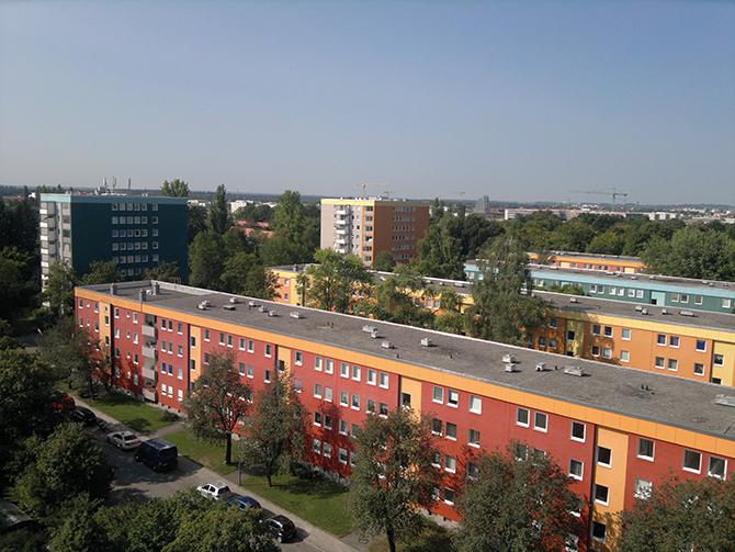 Die 50 Jahre alte Wohnanlage in München mit 675 Wohnungen erhält Fernwärme. (Foto: Heimbau Bayern)