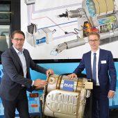 kd185 hjs scheuer ebbing 170x170 - HJS präsentiert beim Kraftfahrt-Bundesamt neueste AdBlue-Nachrüstungstechnik für Diesel-Busse und Kommunalfahrzeuge