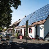 In diesem 1951 erbauten Gebäude spielt sich das Vereinsleben des ASV Zirndorf ab. Energieeinsparung durch intelligente Haustechnik ist für den Sportverein enorm wichtig.