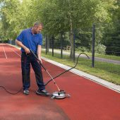 kd186 kärcher4 170x170 - Fitness muss sich wohlfühlen - Vom Spielfeld bis zur Turnhalle: Sportanlagen brauchen Pflege