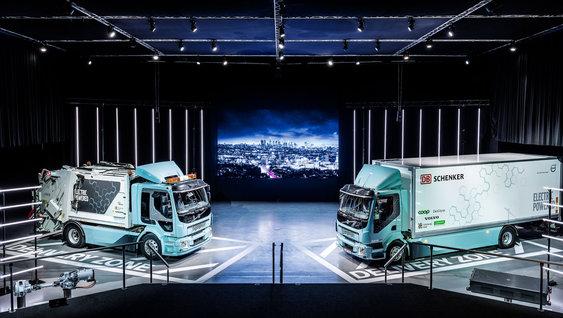 1860x1050 volvo electric event teaser2 - Volvo Trucks liefert erstes Elektrofahrzeug an DB Schenker