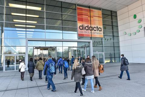 """didacta 2 - FSB/aquanale 2019: FSB und didacta intensivieren das gemeinsame Projekt """"Bewegungsraum Schule"""""""