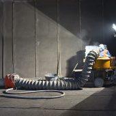 Der brandbeständige Betonersatz Nafufill KM 250 wurde in einer Schichtdicke von circa 4,5 cm im Nassspritzverfahren aufgetragen.