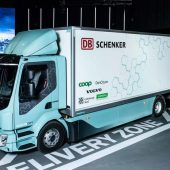 xvolvo fl db schenker 1860x1050 newsintro.jpg.pagespeed.ic .HbCtLVlmr6 170x170 - 1860x1050-volvo-electric-event-teaser2