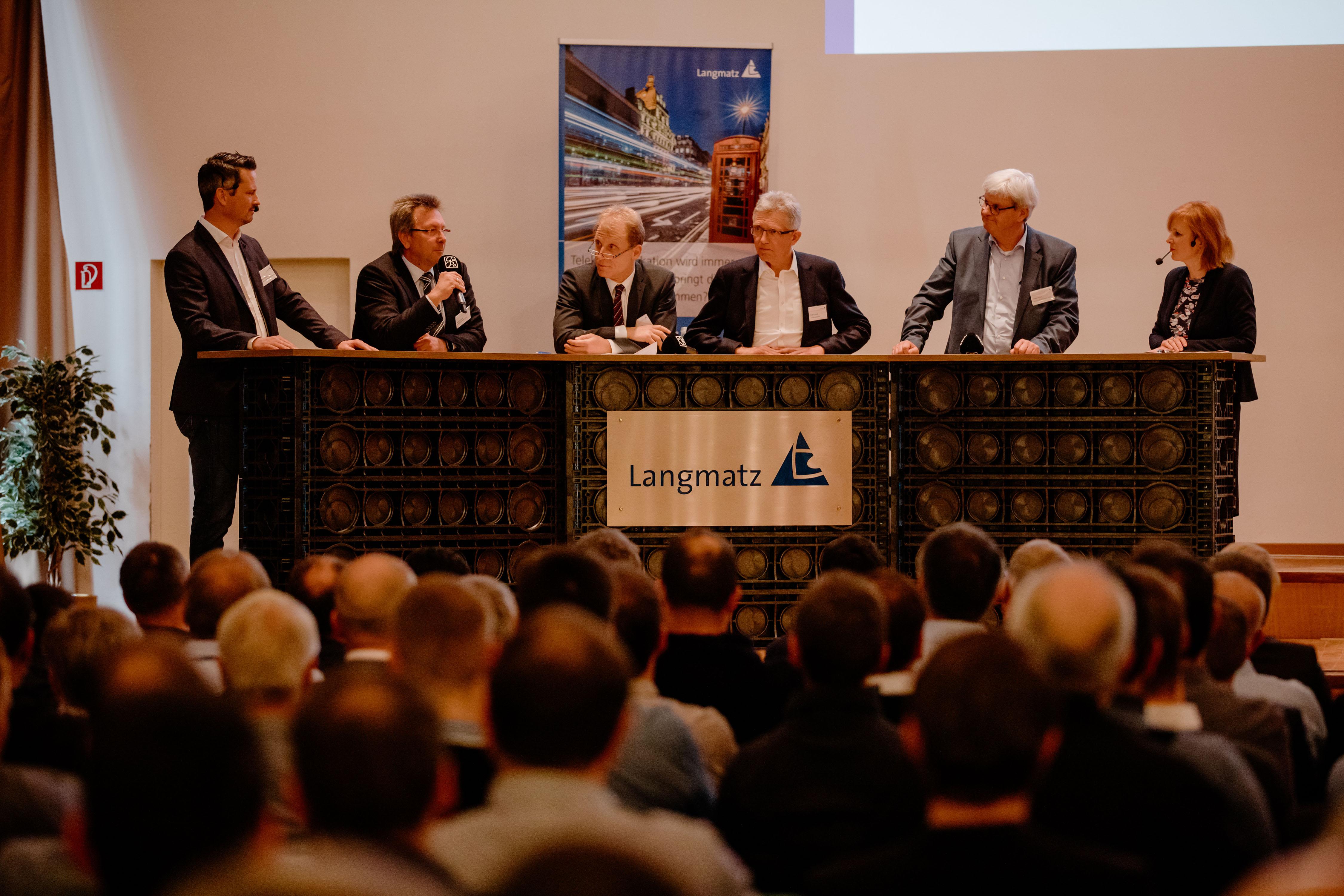 Langmatz 02 Podiumsdiskussion Breitband Symposium 2019 - Breitbandausbau in Deutschland gewinnt an Dynamik