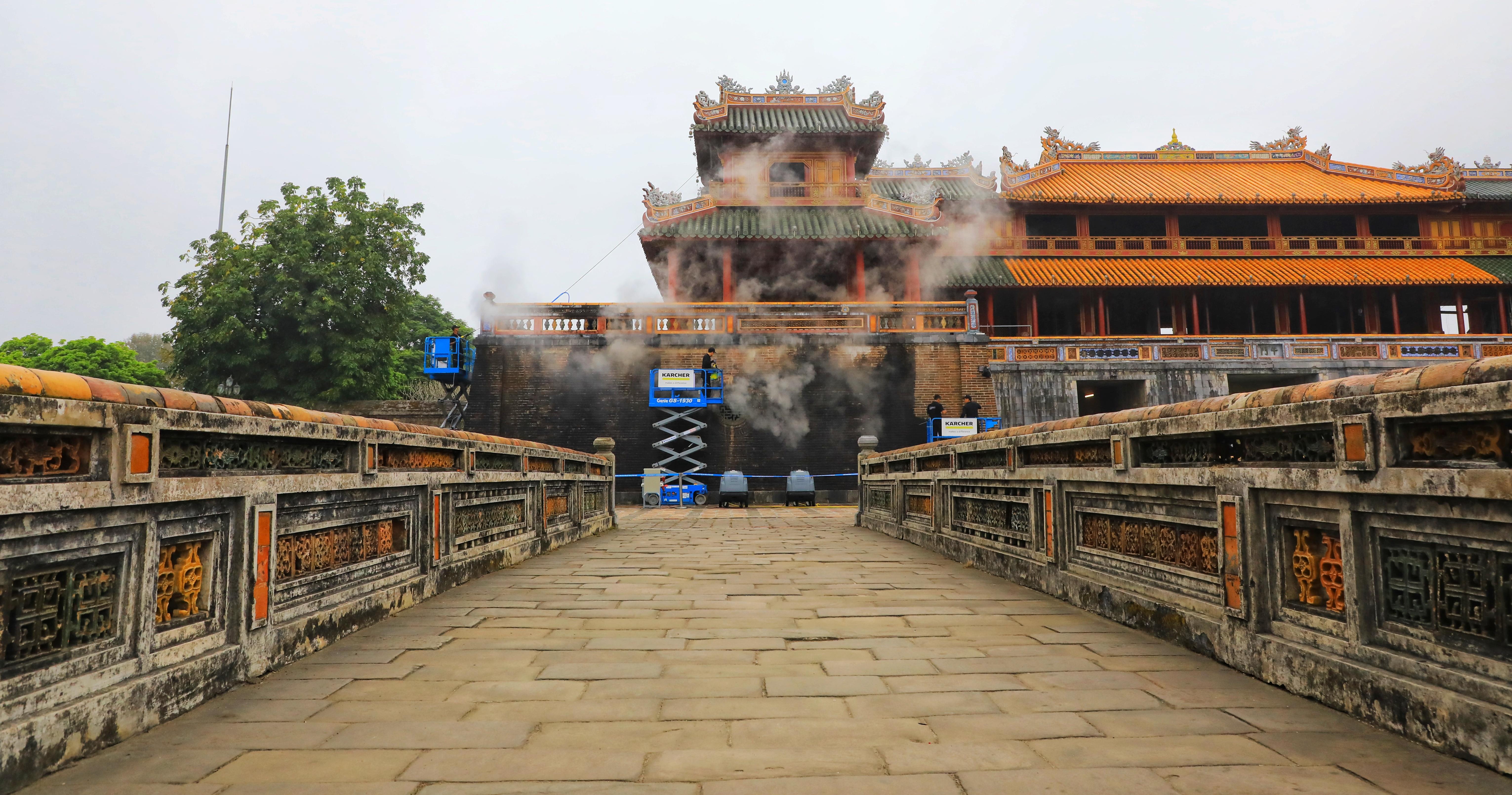Kaercher Reinigungsaktion Vietnam 5 - Kärcher trägt zum Erhalt von Kulturstätte in Vietnam bei