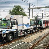 kd619 unimog2 170x170 - Zwei Unimog schleppen 200 Tonnen schweren Metrozug