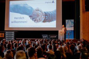 """Bild01 Langmatz Breitband Symposium 2020 300x200 - """"Wir sind auf dem Weg in die Gigabit-Gesellschaft"""""""