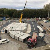 Die Montage der 78 Fertigteile für den Wertstoffhof erfolgte in nur 5 Tagen. (Bild: Modulo Wertstoffhöfe GmbH)