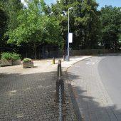Vorher: Die Bushaltestelle am Friedhof in Limburg (Foto: Uwe Hessel, Ingenieurbüro für Infrastruktur & Umwelt)