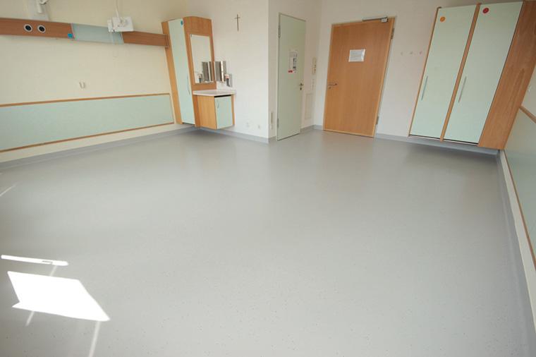 Abbildung 2: Die Umgestaltung hat sich gelohnt. Durch die neue Farbe besitzen die Krankenhauszimmer eine deutlich einladendere Atmosphäre.