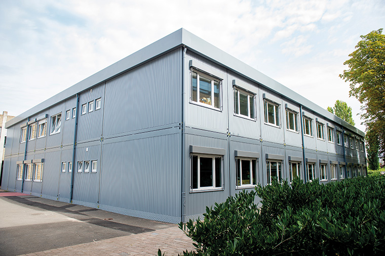 In nur drei Monaten hat Algeco Ausweichquartiere für Hockenheimer Schüler und Lehrer errichtet, weil die Hartmann-Baumann-Schule und die Schule am Kraichbach saniert werden müssen.
