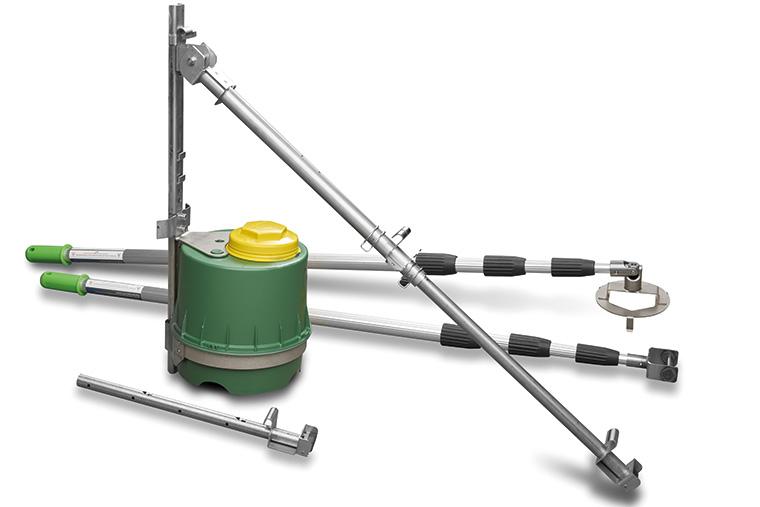 Die Firma NETZSCH bietet verschiedene Pumpentypen, kombiniert mit Zerkleinerern, die speziell an anspruchsvolle Betriebsbedingungen angepasst werden: NEMO® Exzenterschneckenpumpe, TORNADO® Drehkolbenpumpe T1 und T2, N.Mac® sowie M.Ovas Zerkleinerer (v.l.n.r.)