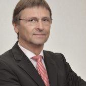 FGK-Geschäftsführer Günther Mertz sieht die scheinbar einfache Lösung insbesondere im Hinblick auf die nachströmende Außenluft kritisch. (Bildquelle: FGK e.V. )