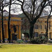 Universitätsplatz (Fotos: Angelika Heim)