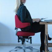 Bioswing Boogie Stretch mit Frau Leyla Elschnig, Mitarbeiterin im Büro Strahl