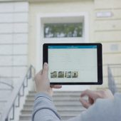 Um die Bewertung des Gebäudezustands effizienter zu machen, kommt bei der Landeshauptstadt jetzt das Tablet zum Einsatz.